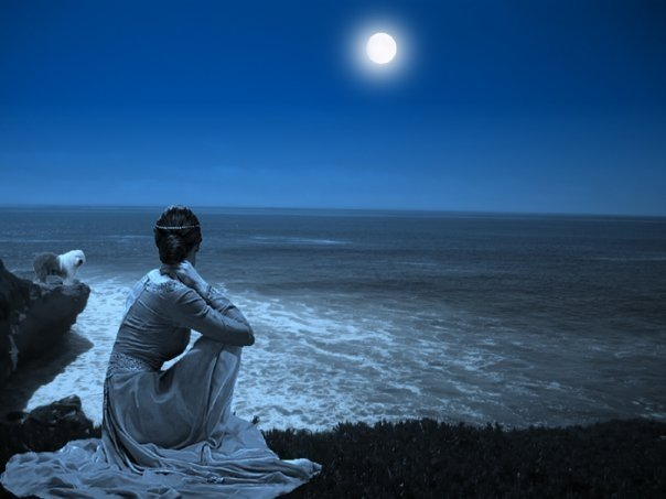 ocean two girls two moons - photo #10
