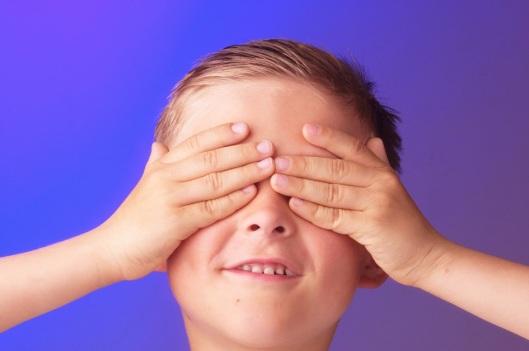 Resultado de imagen para manos tapando los ojos